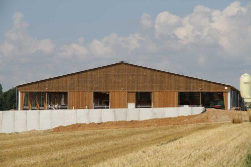 bardage bois bâtiment d'élevage